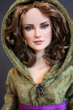 padme! I want this barbie doll! This is amazing!