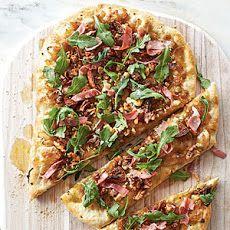 Caramelized Onion, Prosciutto, and Arugula Pizza
