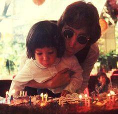 John Lennon speaks with his soon Sean Lennon on their mutual birthday, October John Lennon Sean Lennon, Great Bands, Cool Bands, Woodstock, Happy Birthday John, Birthday Boys, Birthday Cake, John Lenon, Little Prayer