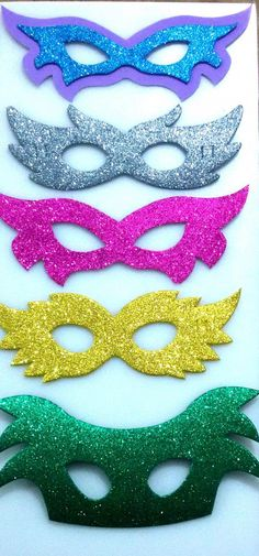 Kim Kardashian Natural Makeup Kim Kardashian natural make… Carnival Crafts, Carnival Masks, Organic Makeup Brands, Winter Beauty Tips, Korean Beauty Tips, Homemade Beauty Tips, Crafts For Kids, Diy Crafts, Halloween Kostüm