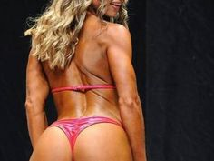 Best Exercises for a Bikini Competitor
