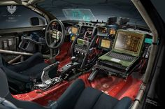 Fully full-on evil robots : photo camping car, shadowrun, land rover defend Custom Car Interior, Truck Interior, Jeep Jk, Jeep Wrangler, Carros Suv, Patrol Y61, Tactical Truck, Spaceship Interior, Bug Out Vehicle