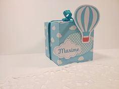 Fully customizable hot air balloon box in the colours of your choice Deco Baby Shower, Hot Air Balloon, Balloon Party, Balloons, Etsy, How To Make, Color, Robin, 1
