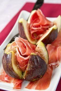 Stilton, parma ham and fig salad Fig Recipes, Gourmet Recipes, Appetizer Recipes, Love Eat, Love Food, Fig Salad, Healthy Snacks, Healthy Recipes, Appetisers