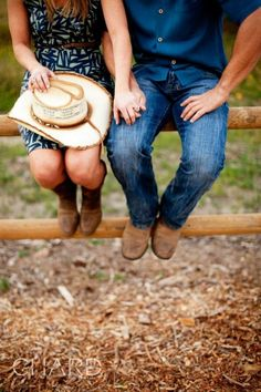 aw! Engagement pictures? I THINK SOOOO!!!