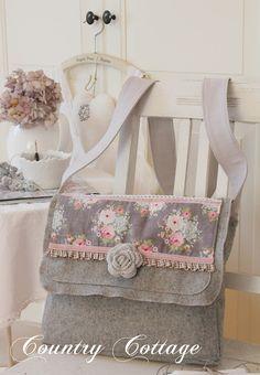 My Country Cottage Garden: My very first TILDA Messenger bag