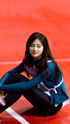 Twice Tzuyu 周子瑜 Kpop Girl Groups, Korean Girl Groups, Kpop Girls, Pretty Asian, Beautiful Asian Women, Nayeon, Twice Tzuyu, Archery Girl, Chou Tzu Yu