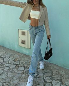 Summer Fashion Tips .Summer Fashion Tips Look Fashion, 90s Fashion, Fashion Tips, Korean Fashion, High Fashion Outfits, Petite Fashion, Girl Fashion, Fashion Trends, Mode Outfits