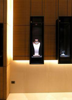 Spallanzani 1882 - Jewels Milano by diego bortolato, via Behance Jewellery Shop Design, Jewellery Showroom, Jewellery Display, Jewelry Shop, Diy Necklace Stand, Display Showcase, Store Window Displays, Diamond Shop, Clinic Design