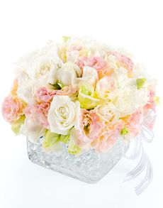 No matter what the occasion, find the perfect gift from NetFlorist's extensive range of gifting ideas. Easter Flowers, Cream Roses, Flowers Online, Amazing Flowers, Flower Vases, Singapore, Bouquets, Gift Ideas, Gifts