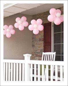 all things simple: more pinkalicious fun: balloon flowers--how cute is this? girl bday, bridal shower, or baby shower? Fiesta Shower, Shower Party, Shower Favors, Shower Invitations, Anniversaire Hello Kitty, Fete Emma, Girl Birthday, Birthday Parties, Birthday Ideas