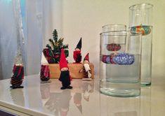 Gnomi decorativi per Natale! Fatti a mano con pigne, palline di legno e tessuti! Scrivetemi se vi piacciono! 😉