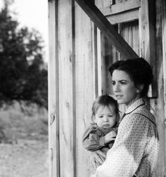 Laura Ingalls and her daughter Rose on Little House on the Prairie. I love this show!