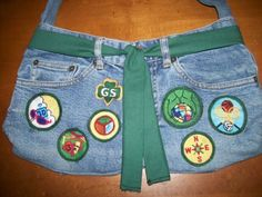 Cool idea for all those patches that are being discontinued! Turn an old pair of jeans into a bag.
