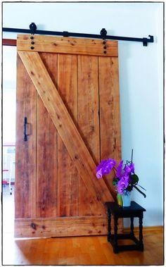 Bill saved to modern{DIY} Scheunentor als Küchentür - Family Room Decorating, Wooden Doors, Remodel, Diy Barn Door, Diy Door, Palette Furniture, Outdoor Wood, Wooden Diy, Doors