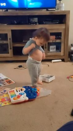 Cute Funny Baby Videos, Some Funny Videos, Cute Funny Babies, Cute Animal Videos, Funny Videos For Kids, Cute Kids, Funny Baby Gif, Funny Baby Memes, Cute Baby Girl Photos