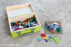 Make Your Own LEGO Brick Travel Case - Frugal Fun For Boys and Girls Kindergarten, Lego People, Diy Simple, Lego Craft, Create Picture, Lego Photo, Cool Lego, Awesome Lego, Lego Storage