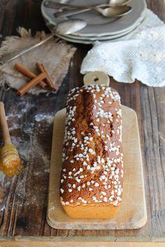 Pain d'épices pur seigle {sans lait} - Ingrédients : 300 g de farine de seigle, 350 g de miel, 60 g de margarine, 50 g de sucre de canne complet...