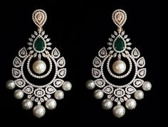 Ideas hair accessories pearl jewelry for 2019 Diamond Earrings Indian, Indian Jewelry Earrings, Diamond Necklace Set, Jewelry Design Earrings, Gold Earrings Designs, Gold Jewellery Design, Ear Jewelry, Necklace Designs, Diamond Jhumkas