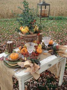 Lanternes et citrouilles en décoration de table
