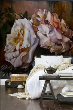 NEUTRAL HEAVEN - Interior Design and Mood Creation: Dreaming of Roses - Artist / Bedroom   www.lab333.com  www.facebook.com/pages/LAB-STYLE/585086788169863  www.lab333style.com  lablikes.tumblr.com  www.pinterest.com/labstyle