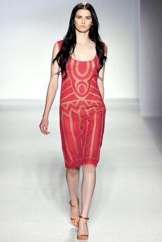 Alberta Ferretti Spring 2012 Ready-to-Wear Fashion Show - Katlin Aas