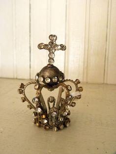 Vintage Style Jewelled Crown