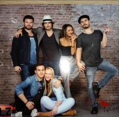 Group Picture with Farn at Day 2 for in Brussels… Vampire Diaries Stefan, Vampire Diaries Cast, Vampire Diaries The Originals, Miss You Girl, Michael Malarkey, Chris Wood, Vampire Dairies, Mystic Falls, Group Pictures