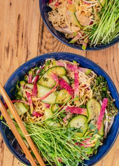 Rachael Ray's Cold Ramen Bowls with Chicken Ramen Noodle Salad, Ramen Noodle Recipes, Ramen Bowl, Ramen Noodles, Beef Recipes, Chicken Recipes, Healthy Recipes, Chicken Meals, Copycat Recipes