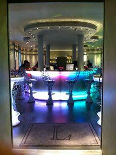 Laduree bar - Kelly Elizabeth Style: Bienvenue à Paris!