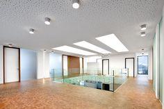 Image 10 of 24 from gallery of Neubau Bürogebäude / Spado Architects. Photograph by Kurt Kuball