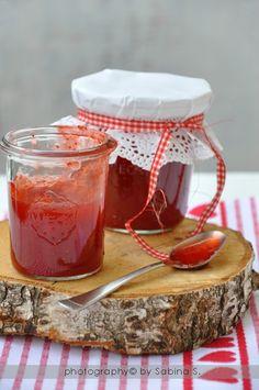 Due bionde in cucina: Marmellata di fragole con succo d'arancia