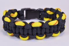 "How to Make the ""Ascending Solomon"" Paracord Survival Bracelet - BoredPa..."