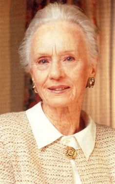 "Jessica Tandy was an absolutely wonderful actress.  In later years she  was remembered  for the movie ""Driving Miss Daisy"" with Morgan Freeman who is another fine actor."