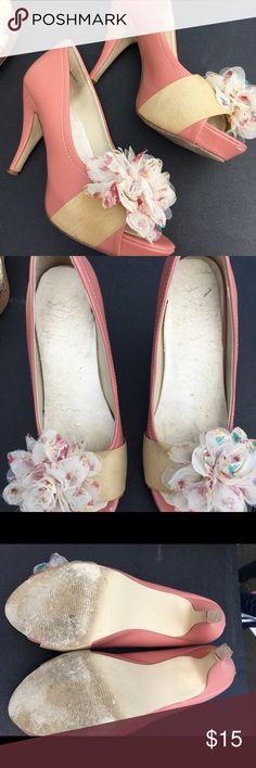 Peep toe heels Pink peep toe heels with beige and pink flower. Three inch heel. Minor scuff on back of heel. Eva and Zoe Shoes Heels