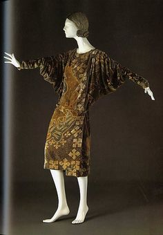 Dress Valentina, 1926 The Metropolitan Museum of Art - OMG that dress!