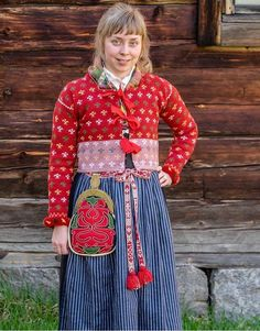 Järvsödräkt Swedish Fashion, Folk Fashion, Folk Costume, Costumes, Carl Larsson, Folk Style, How To Purl Knit, Color Shapes, Knit Jacket