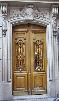 ♅ Detailed Doors to Drool Over ♅  art photographs of door knockers, hardware & portals - Paris