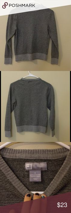 JCP wool sweater JCP wool sweater/long sleeve. Rather light but probably warm. No obvious damage. 100% merino wool jcpenney Sweaters