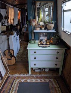 Van Living, Tiny House Living, Narrowboat Interiors, Requiem For A Dream, E Room, Tiny House Trailer, House Inside, Fashion Room, Villa