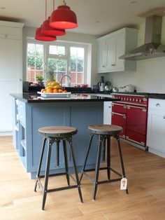Steel Magnolias Café stools in Pewter