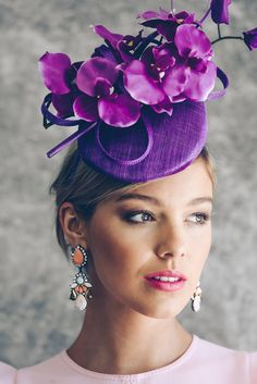 Sinamay Fascinator with orchid trim by Morgan and Taylor. A sophisticated look for Spring Racing. Fascinator Hats, Fascinators, Headpieces, Sinamay Hats, Millinery Hats, Bandana, Races Fashion, Fashion Hats, Fancy Hats