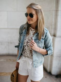 lace top, white shorts and denim jacket with simple, elegant jewelry / perfect summer outfit Short Outfits, Casual Outfits, Cute Outfits, Fashion Outfits, Fashion Hacks, Jean Jacket Outfits, Denim Outfit, Night Outfits, Summer Outfits