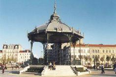 Au coeur de la vallée du Rhône, Valence comblera vos désirs d'évasion. Déambulez sur le Champ-de-Mars, admirez les magnifiques monuments ou prélassez-vous à l'ombre des tileuls... Tout un programme ! Bontourism®, Tout l'Art du Voyage