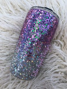 Lavender to Silver Ombre Glitter Tumbler or Stemless Wine Cup. Diy Tumblers, Personalized Tumblers, Custom Tumblers, Glitter Tumblers, Silver Ombre, Silver Glitter, Yeti Logo, Cup Crafts, Glitter Cups