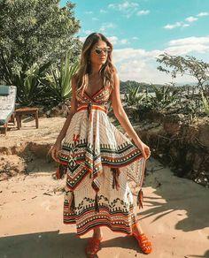 ideas holiday outfits summer ibiza for 2020 Hippie Style, Looks Hippie, Estilo Hippie Chic, Mode Hippie, Bohemian Style, Boho Chic, Bohemian Clothing, Hippie Vibes, Bohemian Gypsy