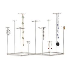 Umbra Gardenia Jewelry Stand Umbra http://www.amazon.com/dp/B00HY8FWOA/ref=cm_sw_r_pi_dp_jLg-wb0Q7K6H3