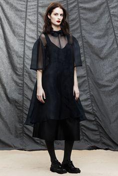 Araks Fall 2014 Ready-to-Wear Collection Photos - Vogue
