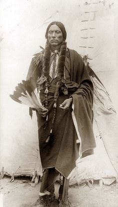 Quanah Parker, son of Comanche Chief Peta Nocona & Cynthia Ann Parker, a white girl taken captive during the 1836 raid on Parker's Fort, Texas. Quanah was the last Chief of the Comanche Nation, and he never lost a battle. Native American Church, Native American Beauty, Native American Photos, Native American History, American Indians, Comanche Indians, Quanah Parker, Native Indian, Indian Tribes