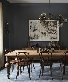 Dining room decor ideas that fit all tastes and sizes. From modern dining room ideas, rustic dining rooms, vintage dining rooms or even midcentury dining room designs these dining room decor tips are Sweet Home, Bentwood Chairs, Winter Home Decor, Dining Room Inspiration, Color Inspiration, Dining Room Lighting, Dining Room Design, Interior Design, Room Interior